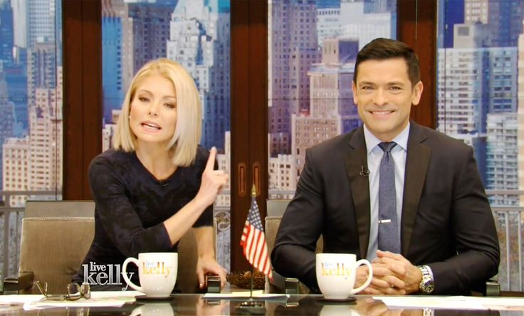kelly-ripa-mark-consuelos-live