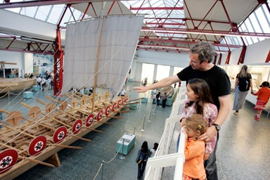 Apart from original exhibition items, in the Museum for Ancient Shipping there is also a reproduction of the patrol boats found which can be viewed from Tuesdays to Sundays with admission free of charge.