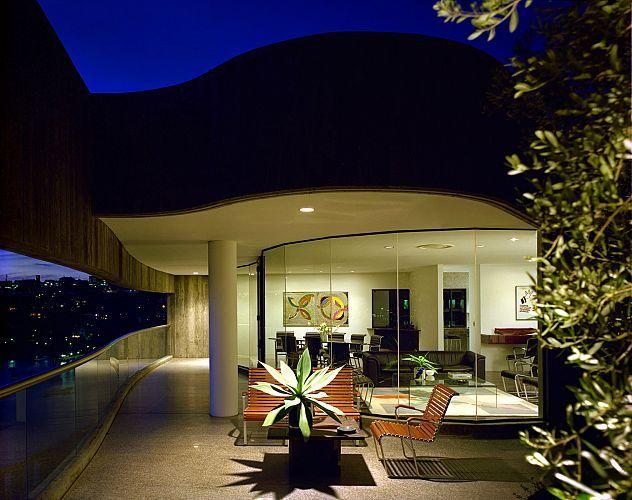 Seidler Penthouse, 2A Glen St Milson's Point.