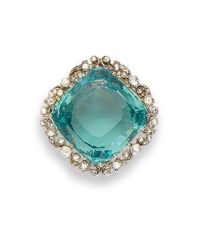 An aquamarine and diamond brooch/pendant, #DiamondBrooches #GemPendantsStones