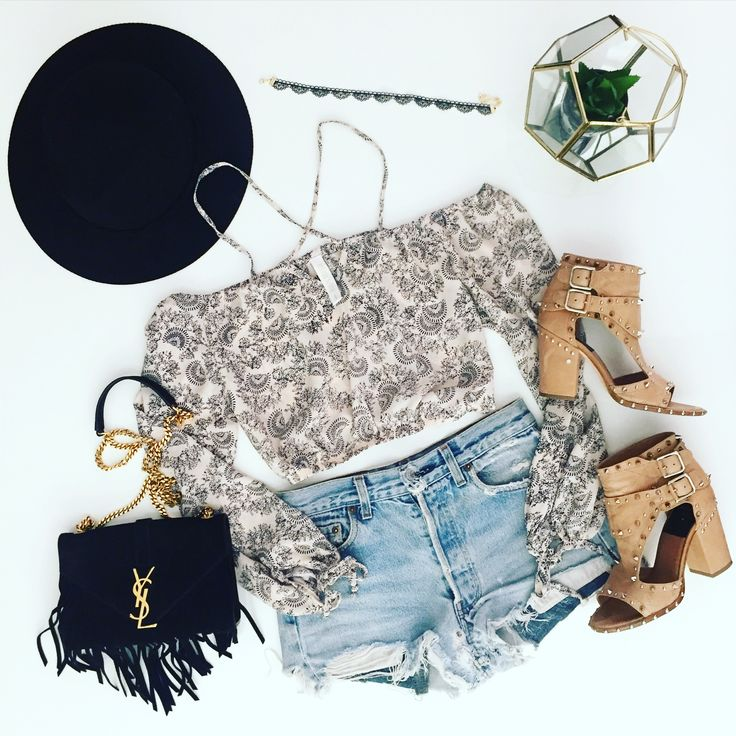 Our idea of the perfect coachella outfit   Summer, fashion, boho style, choker, lace accessories, bohemian, croptop, summer outfits, outfit Inspo, coachella, music festival