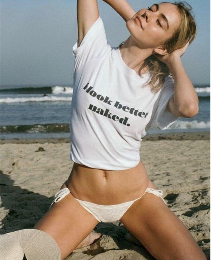O que vocês acham dessa camiseta? 😂  I Look better naked
