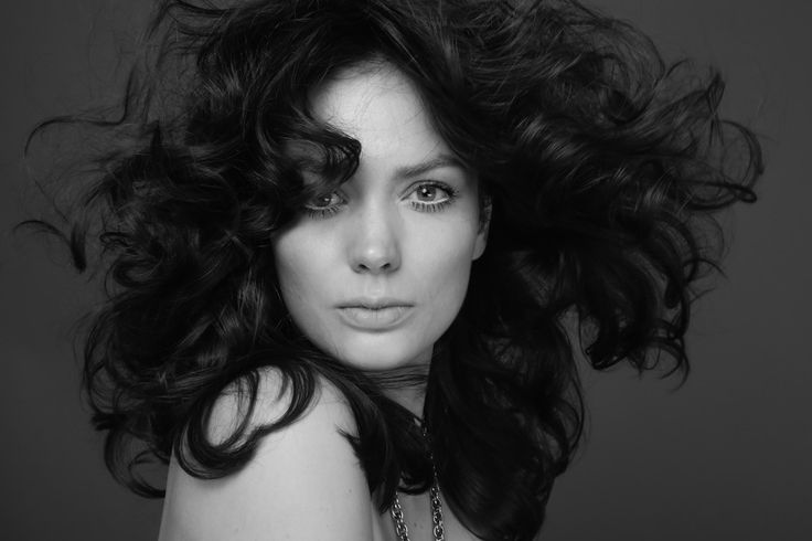 Model Tamara Zslinszki looks amazing in this portrait by Lorenzo Marcucci, makeup & hair by Elisa Rampi