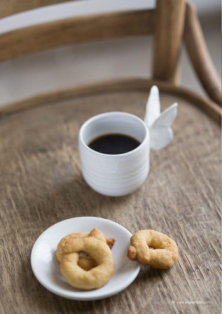 Homemade koulourakia recipe | aegeanpan | new stories for you to discover | food | travel | recipes | around aegean sea