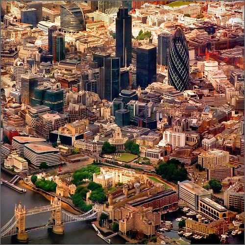 Aerial map, London, England, by Katarina 2353.  Tower Bridge (left bottom), Tower of London (to bridge's right)