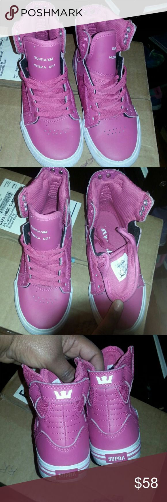Brand New Kids Pink Supra Muska 001 Fun fit  Roomy  Stylish look  Great for a beautiful  little girl  Fashion forward wear  Sneakers brand new little dirt on sole for trying on once  Great buy  Excellent condition Supra Shoes Sneakers
