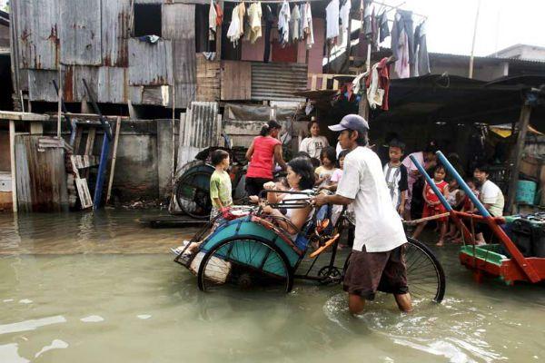 Αντιγραφάκιας: Οι φυσικές καταστροφές ξεσπίτωσαν 20 εκατ. ανθρώπο...