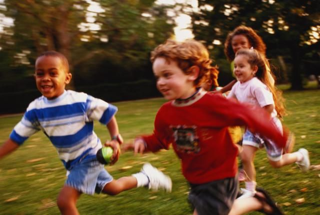 5 Classic Outdoor Games that Kids Love