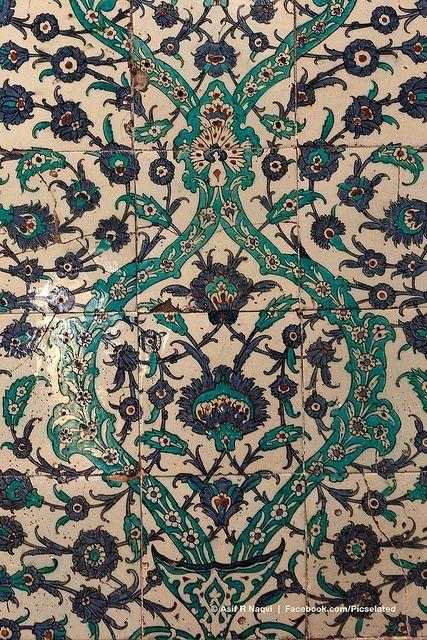 Iznik tiles in Topkapi Palace, Istanbul, Turkey