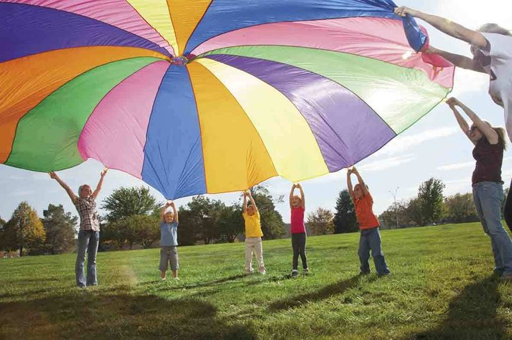 We share three easy and fun parachute games perfect for field day or a classroom team building activity.