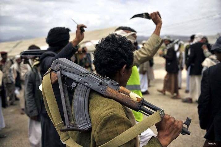 """KIBLAT.NET, Sana'a – Milisi Syiah Hutsi memutuskan akan berunding denganpemerintah Yaman untuk mengakhiri konflik. """"Hutsi telah mengatakan kepada utusan PBB bahwa mereka menyetujui untuk mengambil bagian dalam negosiasi,"""" kata salah satu sumber di Yaman kepada Anadolu Agency, Ahad (20/03). Perundingan ini dijadwalkan akan berlangsung diKuwait pada akhir bulan Maret atau awal bulan April. Wakil Menteri …"""