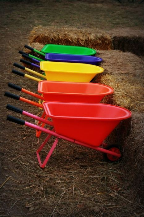 Wheelbarrow Rainbow (via Whisperawish)