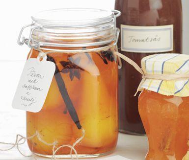 Recept: Inlagda saffranspäron med vanilj