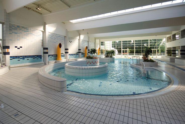 Piscine pubbliche e private. Importanti complessi natatori, impianti sportivi di grandi dimensioni e piccole vasche