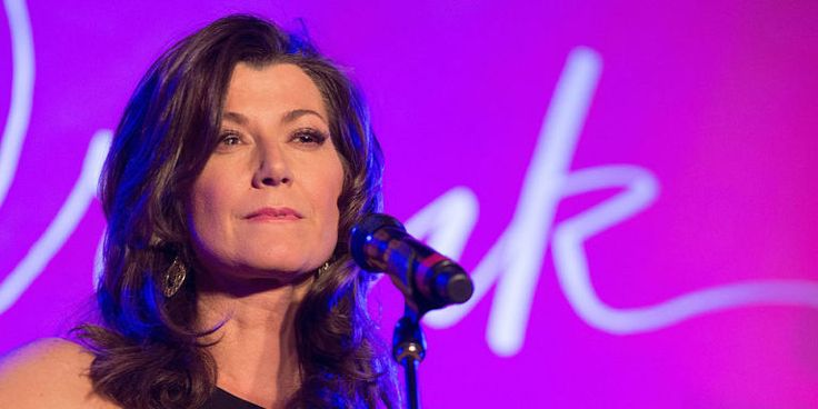 Christian Retail Chain Refuses to Sell Amy Grant's New Christmas Album