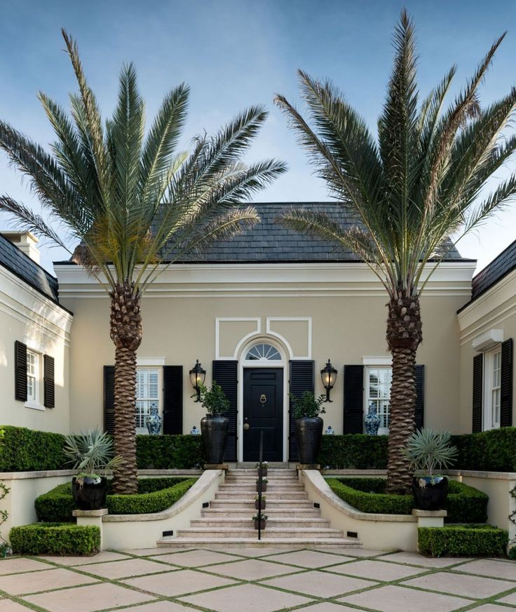 Regency-Style-Palm-Beach-Villa