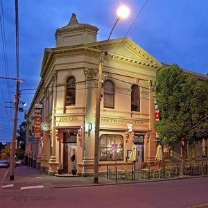 Fine dining elegance meets cosy, old-fashioned pub charm at the award-winning Metropolitan Hotel, part of the historic Arts House Meat Market in North Melbourne