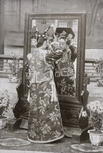 the-next-emperor:        171#Chinese old photos by paulcici2000 on Flickr.        She looks like Youlan, Puyi's mother.