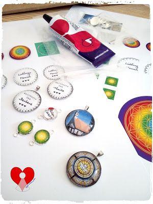 Kreativ mit Hand und Herz: Neues Bastelmaterial - In Love with Cabochons