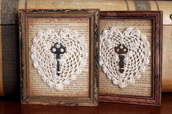 Romantici quadretti...pagine di un libro preferito e chiavi che aprono le porte dell'anima: