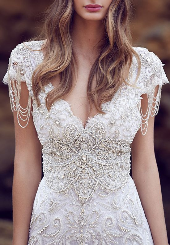 photo robe de mariée créateur pas cher 054 et plus encore sur www.robe2mariage.eu