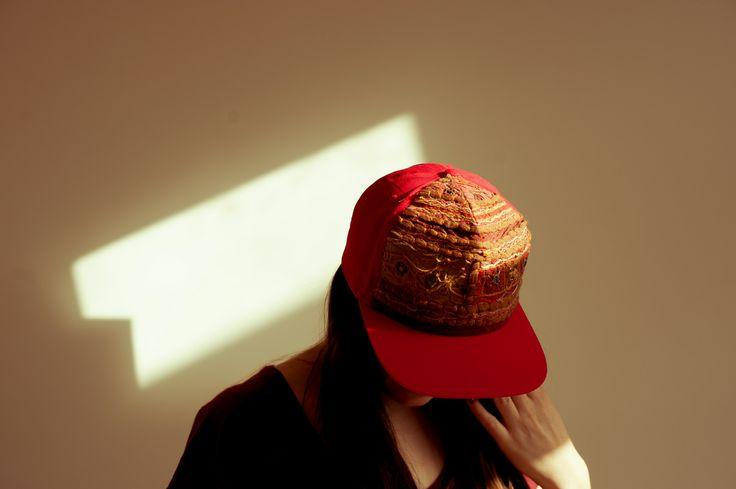 Snapback Cap Indian Fabric Red | UNIKAT & HANDBENÄHT by bert | bertvomblog.blogsspot.de