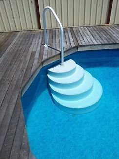 Wedding Cake Style Pool Stairs