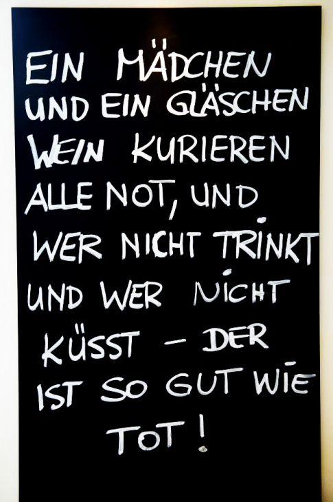 Mädchen & #Wein.