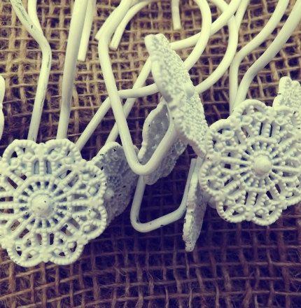 Vintage White Floral Metal Shower Curtain Hooks Jewelry Holder Hooks Shabby  Chic Cottage Rustic Decor Folk