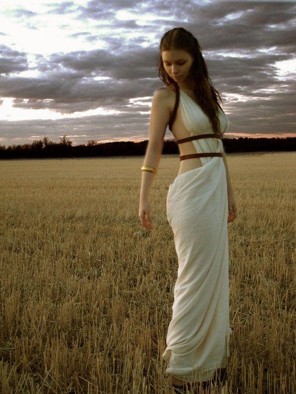 Queen Gorgo Costume | Dress Outline