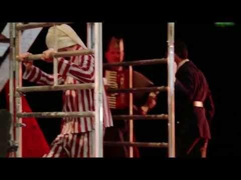 DAS SPIEL IST AUS (Trailer) - Rheinisches Landestheater Neuss   Filmproduktion Siegersbusch Wuppertal 2014 Das Stück erzählt die Geschichte eines ungleichen Paares in Zeiten der Rebellion. Eve ist die Frau eines reichen Milizenchefs und ranghohen Vertreters des Regimes. Sie wird von ihrem Mann vergiftet damit er ihre jüngere Schwester heiraten kann. Pierre Anführer eines geplanten Aufstands wird von einem Verräter aus den eigenen Reihen erschossen. Erst im Jenseits begegnen sich Pierre und…