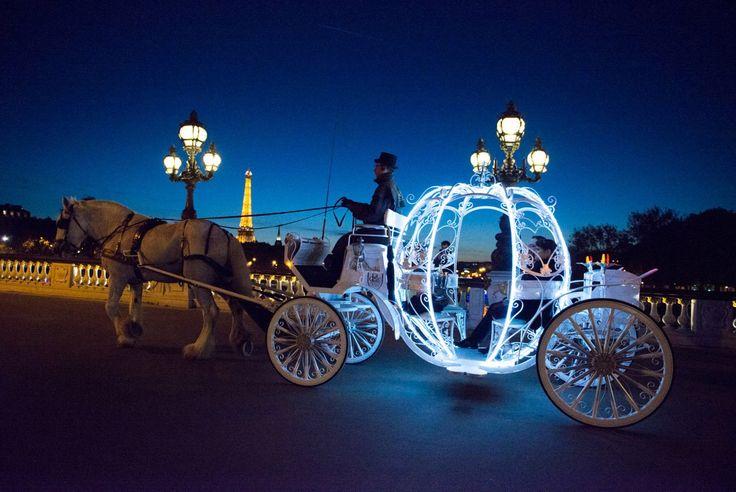 Demande en mariage à bord du véritable carrosse de Cendrillon !
