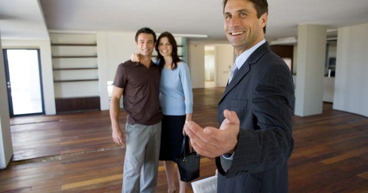 Ideas de publicidad para un agente de bienes raíces. Es esencial para un agente de bienes raíces crear y mantener una presencia fuerte y memorable, independientemente de las condiciones del mercado, para que la gente piense en él en cualquier momento que quieran vender una casa. Tu estrategia de publicidad como agente de bienes raíces será la clave para el éxito de su negocio. Puedes crear y ...