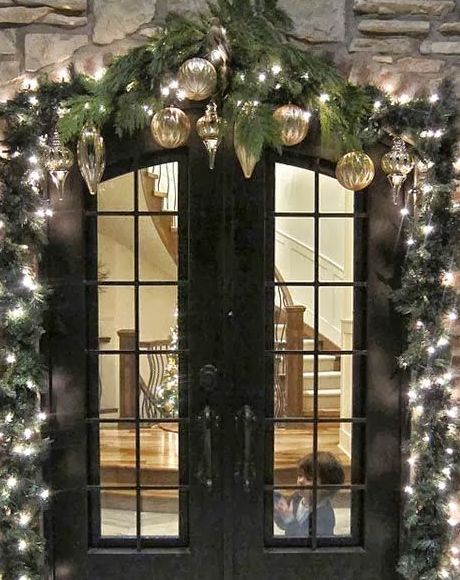 Outdoor Christmas Decoration Ideas - Evergreen Garland - Click Pic for 20 Front Porch Christmas Decorating Ideas