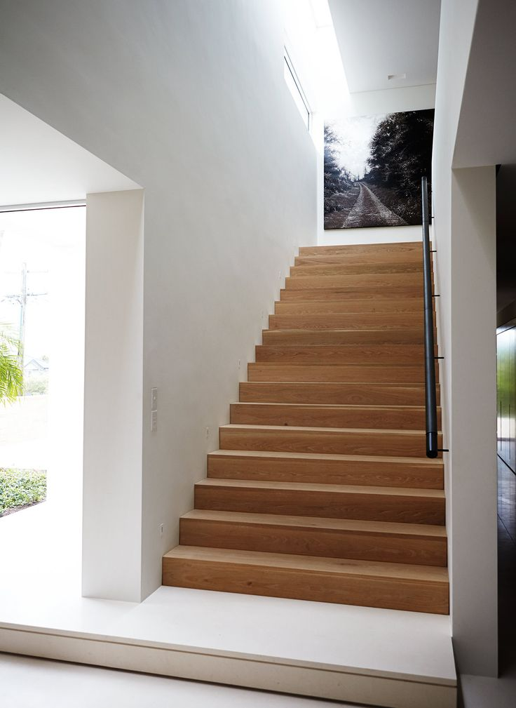 Stairs tread in timber - Hare + Klein was approached to undertake the update of this substantial Sydney house to create a light, open and cheerful family home.