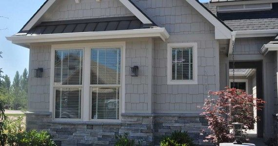 Echo Ridge Country Ledgestone With Light Grey Siding And
