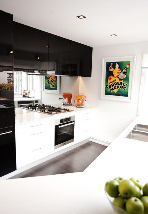 Freedom Kitchens, modern black Kitchen