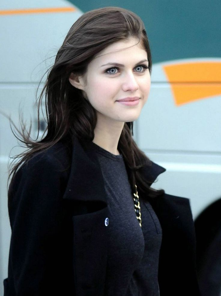Arwen Nova | Meterorologist | Caste 3 | 17 years old | Hope's Best Friend | Face Claim: Alexandra Daddario
