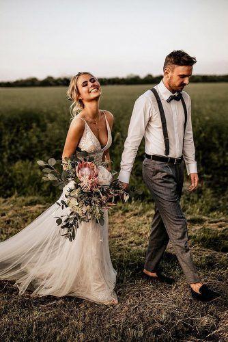 Tenue de mariée élégante pour mariage bohème #boheme #elegante #mariage …….