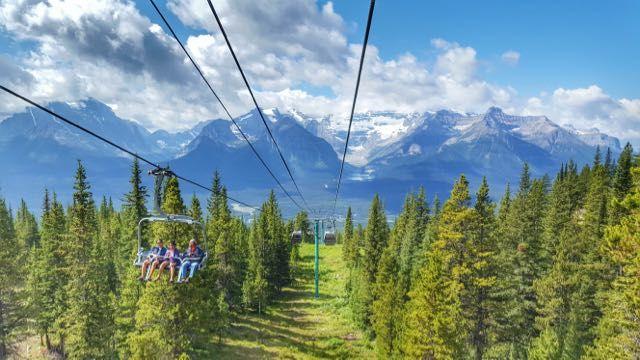 Surpreenda-se com as paisagens deslumbrantes da costa oeste canadense, na região das montanhas rochosas.
