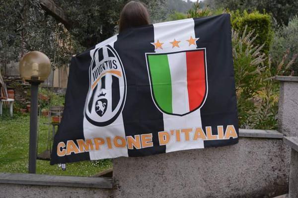 Festa Scudetto bandiera Juventus Campione d'Italia 2014/2015
