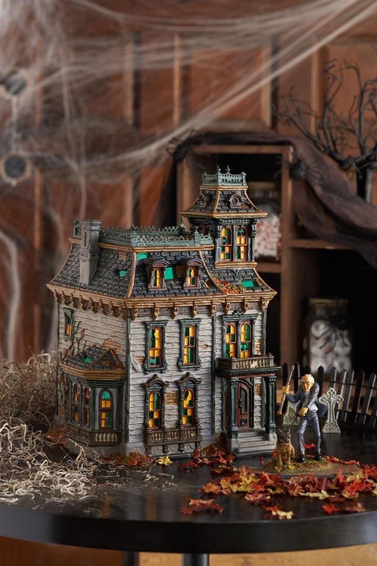 17 Best images about \u2022○\u2022 Haunted Gingerbread Mansions \u2022○\u2022 on - halloween house decoration ideas