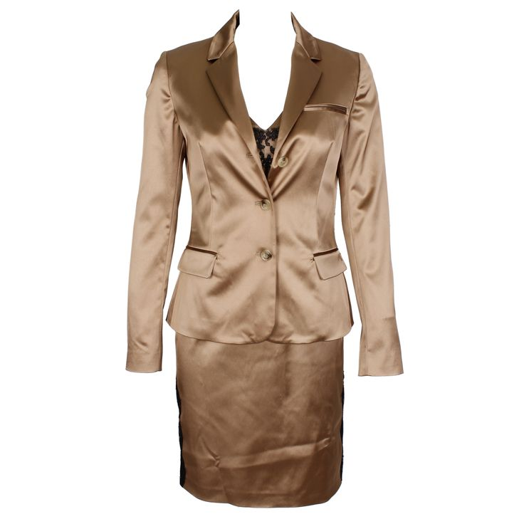 #galliano #johngalliano #marinamall #greenbird #couture #abudhabi #abudhabistyle #abudhabifashion #abudhabistyle #dubai #dubaifashion #dubaistyle #womenswear #fall2013 #winter2014 #fw2014 #prefall #twopiecesuit #blazer #pencilskirt #chiffon #beigeblazer #beige #elegant #businesswear