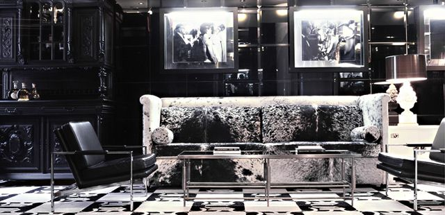 The Night Hotel in New York.  Way too pretty!: Living Rooms, Time Squares, New York Cities, Boutiques Hotels, York Hotels, Cities Hotels, Hotels Interiors, Interiors Design, Night Hotels