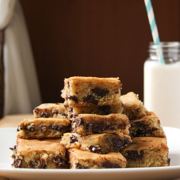 Ghirardelli Chocolate Chip Cookie Bars #desserts #dessertrecipes #yummy #delicious #food #sweet
