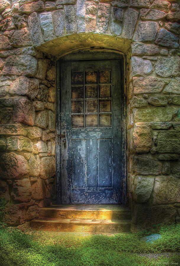 Door A Rather Old Door Leading To Somewhere Doors Unique Doors Old Doors