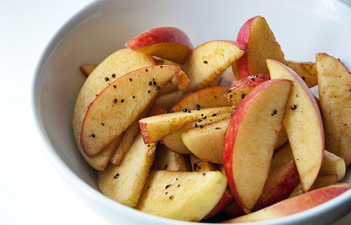En sund snack - æbler med lakrids - Valdemarsro