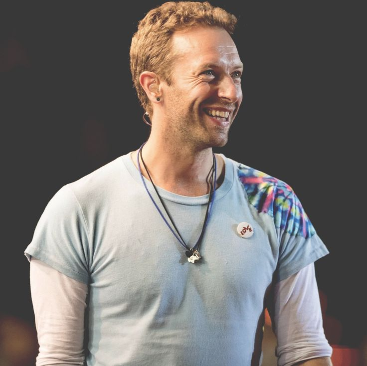 "Páči sa mi to: 2,963, komentáre: 52 – Chris Martin Fans (@ohchrismartin) na Instagrame: ""Chris onstage at the #GlobalCitizen Festival in Hamburg on Tuesday. His smile  I'm so excited to…"""
