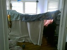 Blanket fort - Wikipedia, the free encyclopedia