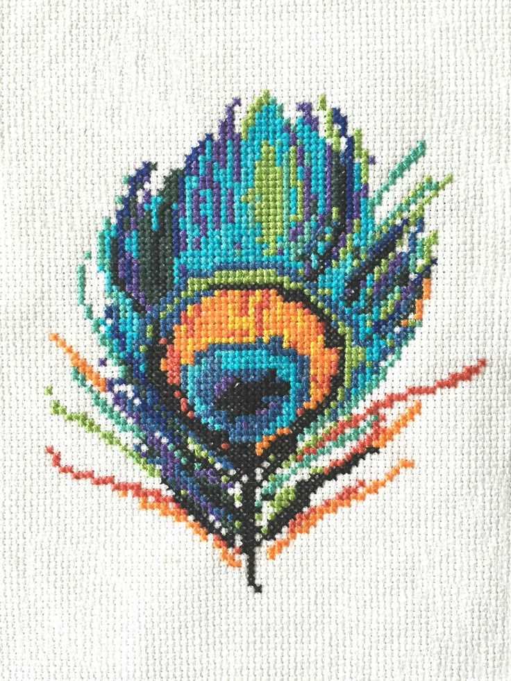 Kristene did such a great job stitching the free cross stitch Peacock Feather pattern from Peacock & Fig! Access all the free patterns at https:∕∕peacockandfig.com∕join-now